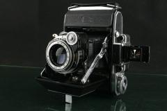 18231---极品成色zeiss ikon 6X4.5折叠相机  2200元