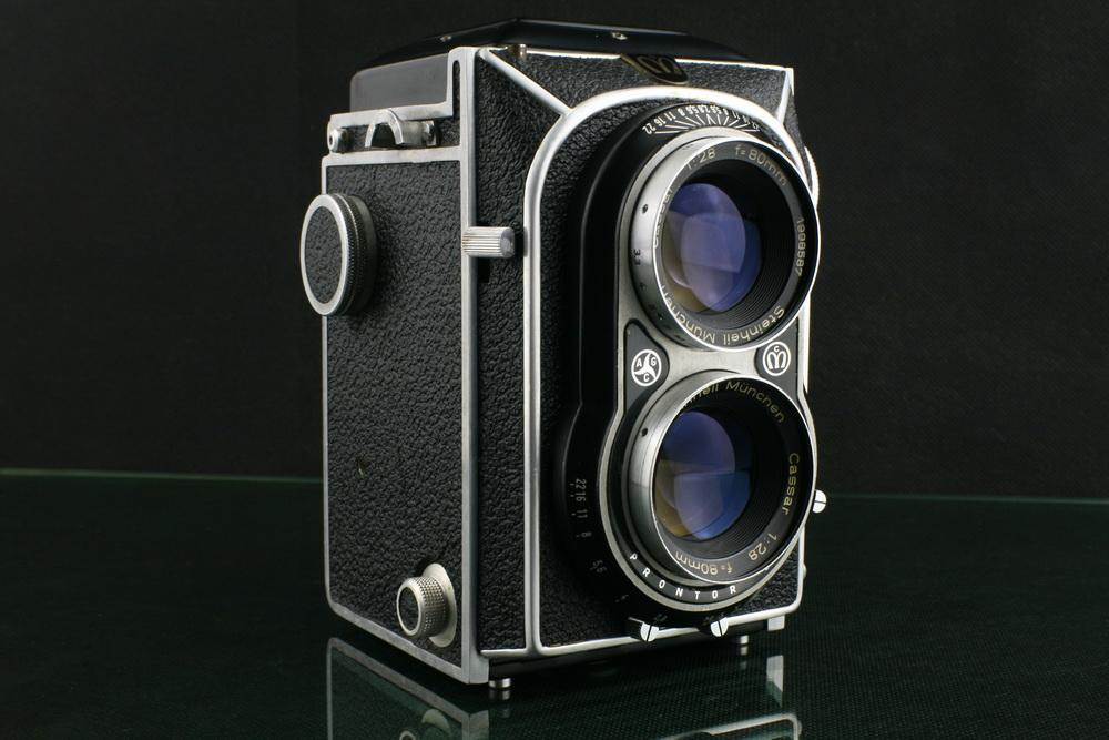 18301---罕见的德产MONTIFLEX 80/2.8双反相机