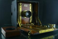 18312---极品百年英国Sanderson木质6寸一机两镜大画幅