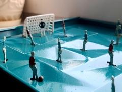人偶足球 铁皮玩具