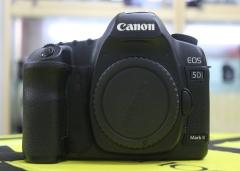 佳能5D II 单反相机 功能完好