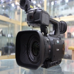 Canon/佳能 XF100C专业摄像机  专业闪存机,机身便携