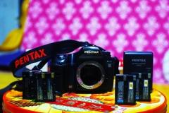 宾得PENTAX CCD良机K10D,一机四电池,画质优秀,目测无斜老问题