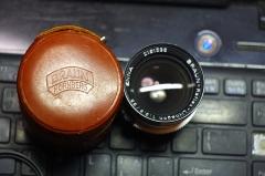 885元,德国恩娜ENNA 白银35mm/3.5 DKL镜头,配原装皮桶