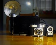850元成色良好安琴45mm/3.5+柯达Retinette旁轴相机+测光表+闪光灯(大全)