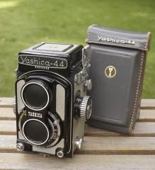 YASHICA 44A灰皮黑漆版