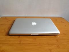 苹果MacBook pro,纯原厂原装原配,原装到每一颗螺丝。