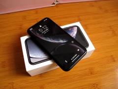 iPhone XR 国行全国联保.双卡双待全网通,包装配件齐全,极品成色。