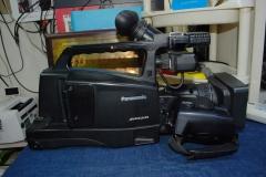Panasonic/松下 AG-HMC83MC 广播级专业数码摄像机高清闪存录像机