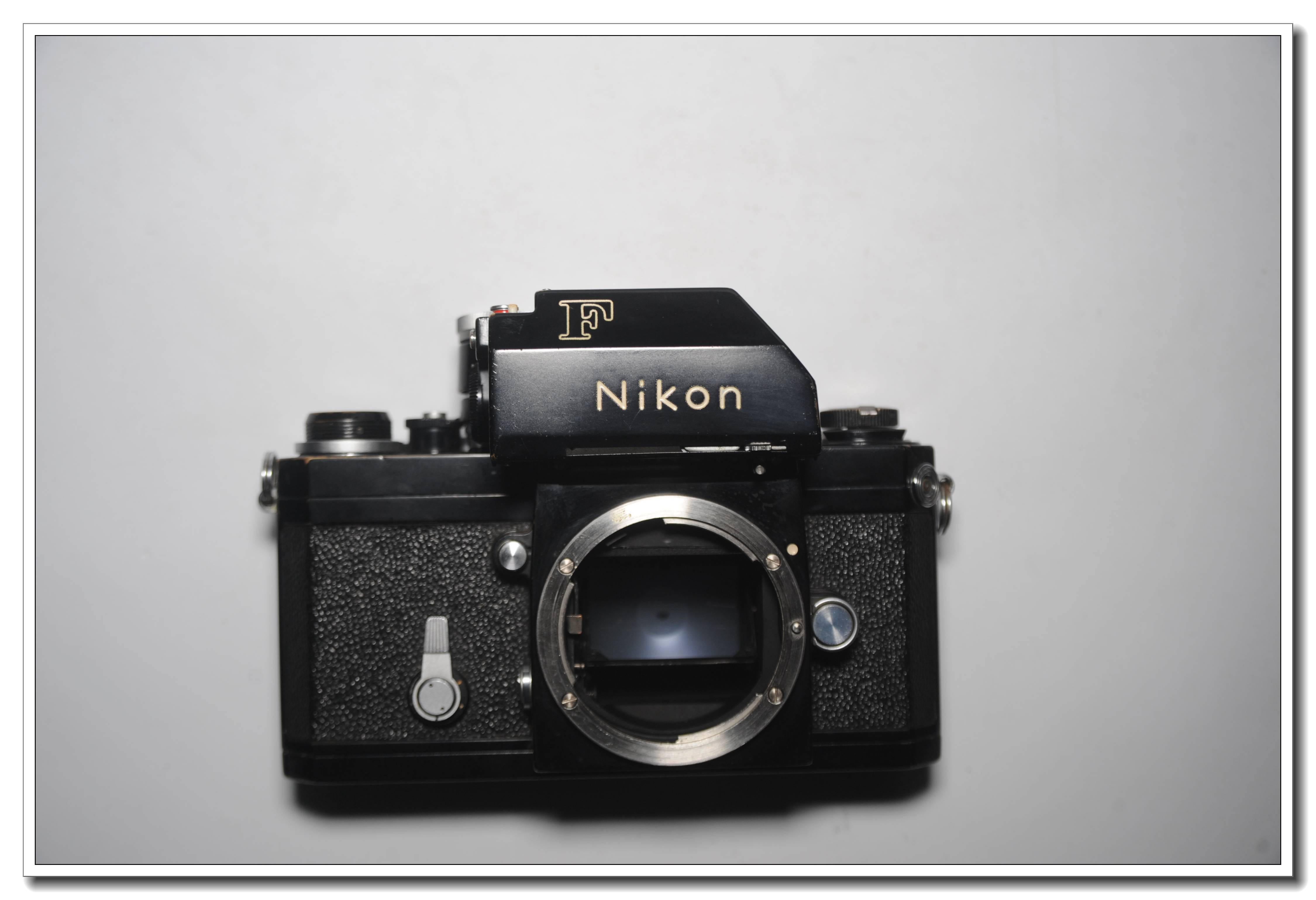 少见的尼康大F黑机 带尼康50/1.4镜头
