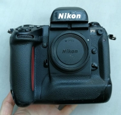 尼康F5 胶片单反相机