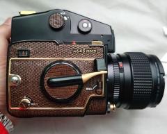 玛米亚M645 1000S蜥蜴皮金漆限量版中画幅相机 4999元