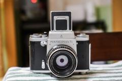 潘太康 PENTACON Six TL  + 80mm f2.8 + 腰平眼平 两个顶 2500元