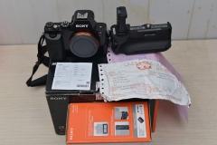 卖器材筹旅费:SONY 索尼A7R+24~70/4+原装手柄套机