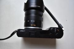徕卡T可换镜头微单相机,带TL18-56镜头。