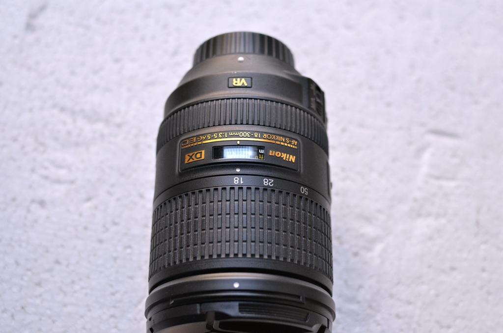 尼康大变焦18-300VR 一代不缩水镜头 2688包邮