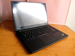 ThinkPad T440S,超高分辨率1920*1080,支持手触IPS带外玻璃硬屏。