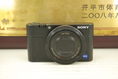 Sony/索尼 DSC-RX100 黑卡 卡片便携数码相机 出片好 2000万像素