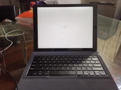 一代12.9寸IPADPRO,32G,带原装及罗技键盘,2100出