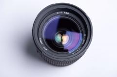 图丽28-70mm F2.6-2.8镜头